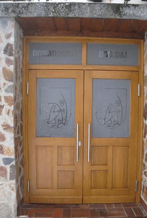 Kako se izdelujejo zunanja lesena vhodna vrata?