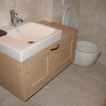Unikatni kopalniški regal iz masivnega lesa