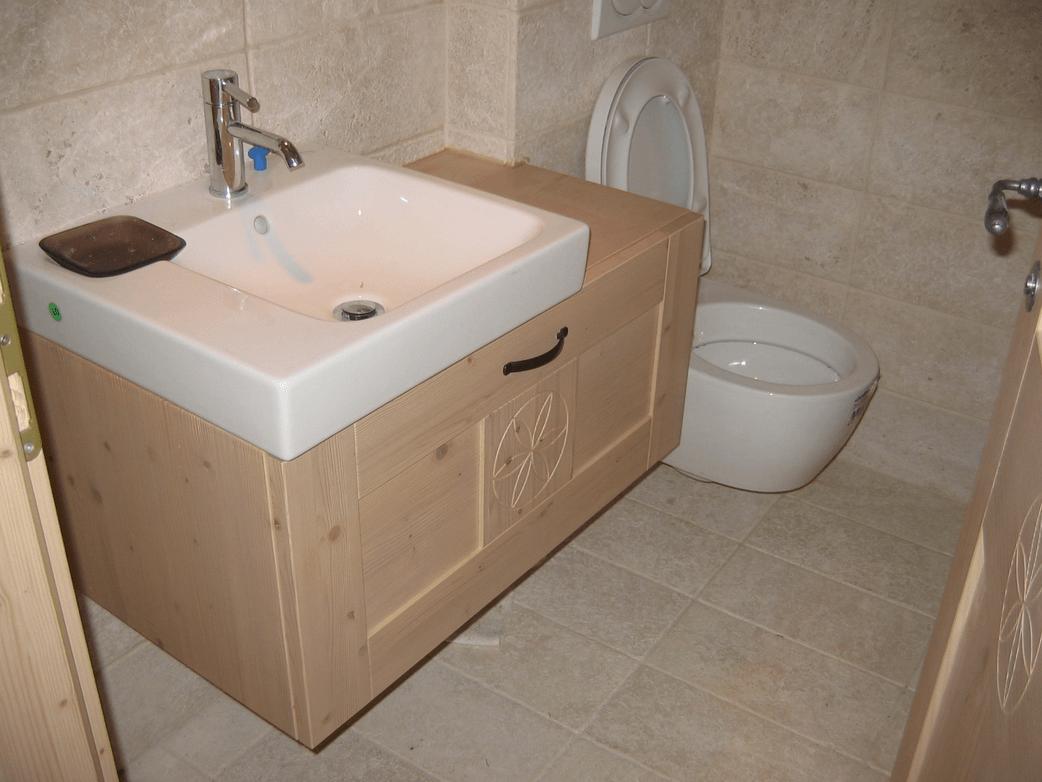 masivno kopalniško pohištvo