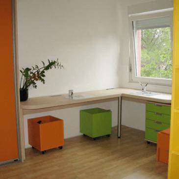 Razlike med tipskim in po naročilu, izdelanim pohištvom za otroško sobo