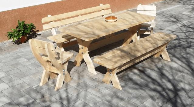 Klasična lesena vrtna garnitura