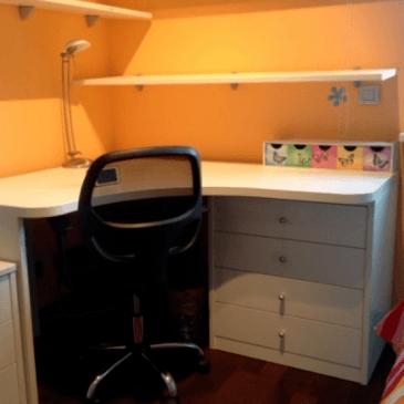 Primer izkoristka prostora v zelo majhni otroški sobi