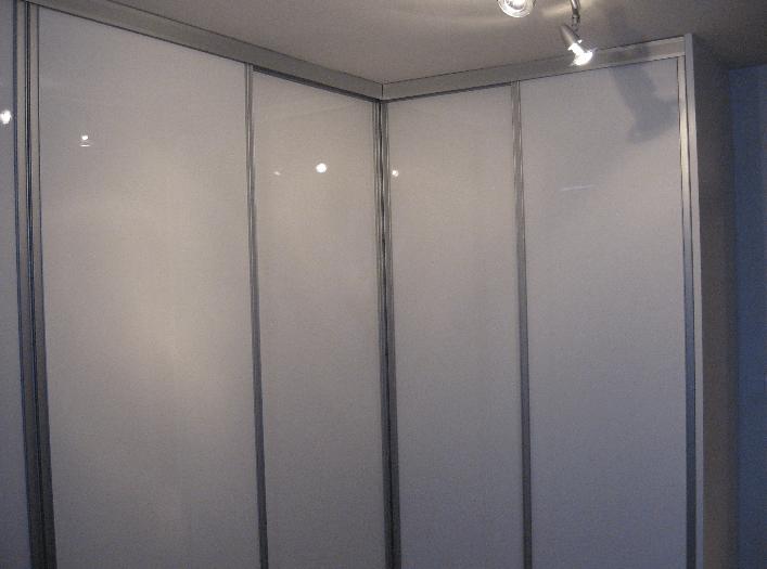 kotna vgradna omara celje