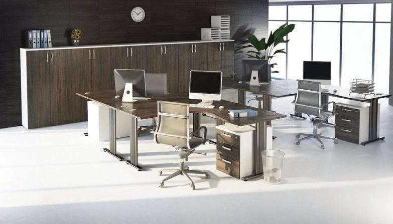 pisarniško pohištvo za več zaposlenih