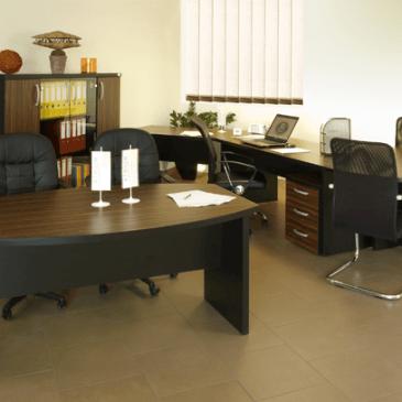 10 različnih programov standardnega pohištva za pisarniške prostore