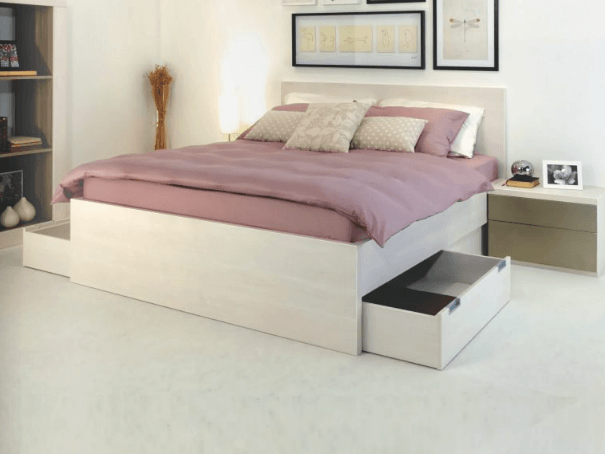 postelja s predalom