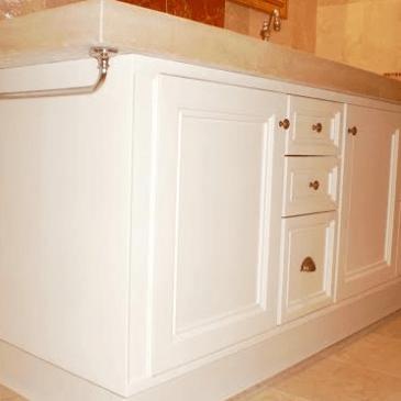 Stilno kopalniško pohištvo