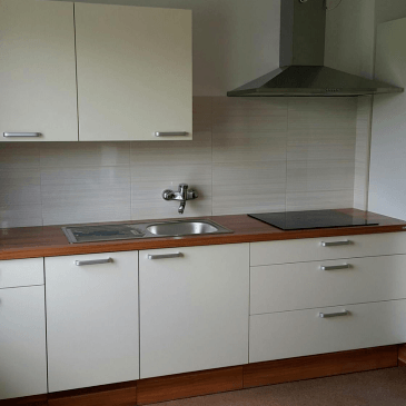 Še trije primeri kuhinj za majhne prostore