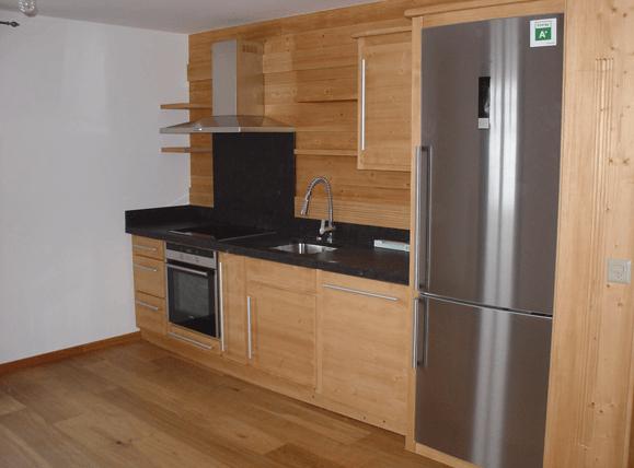kuhinje iz naravnega lesa