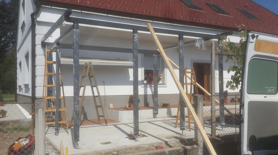 montaža in postavljanje modernega nadstreška v Braslovčah