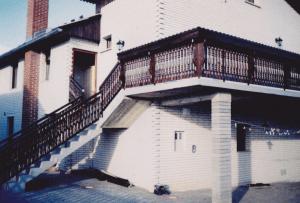 velika-balkonska-ograja-stopnišče-terasa-300x203