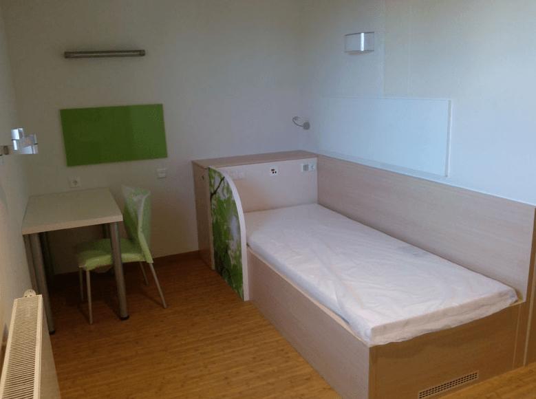 notranja oprema bolniške sobe