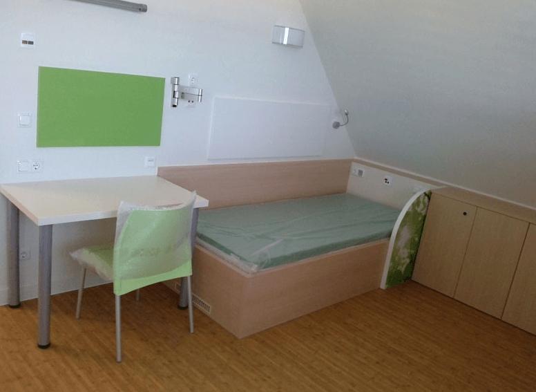 opremljanje mansardne bolniške sobe