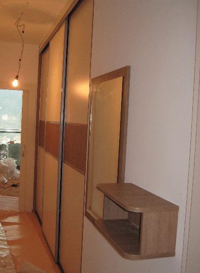 vgradna omara v predsobi