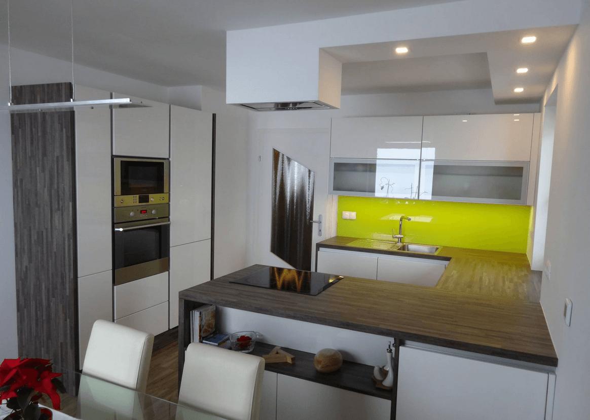 kuhinja steklo barvna obloga