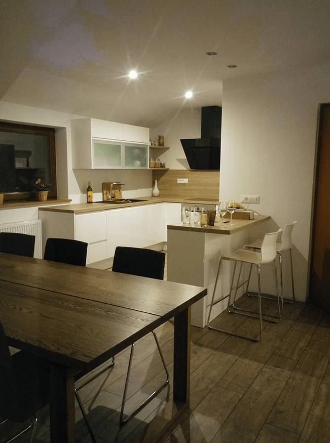 Opremljanje kuhinje v mansardnem stanovanju