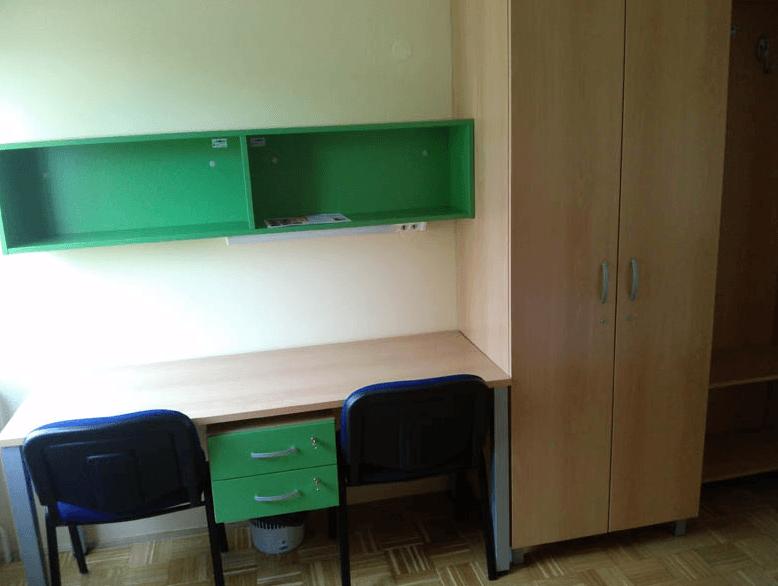 notranja oprema dijaške sobe