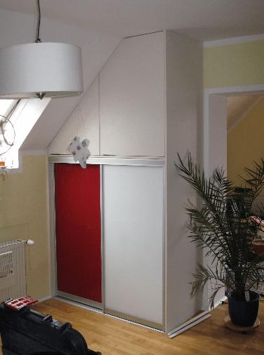 vgradna omara v mansardi