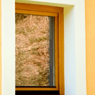 Na kaj biti pozoren pri nakupu lesenih oken po naročilu?