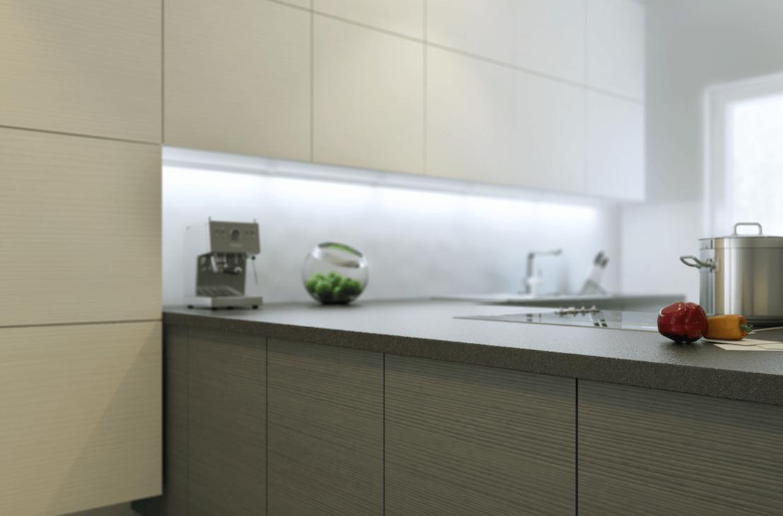 moderna kuhinja po naročilu brez ročajev