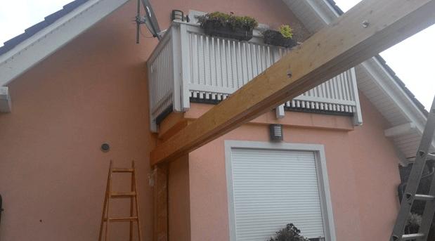 nosilni steber v kotu hiše