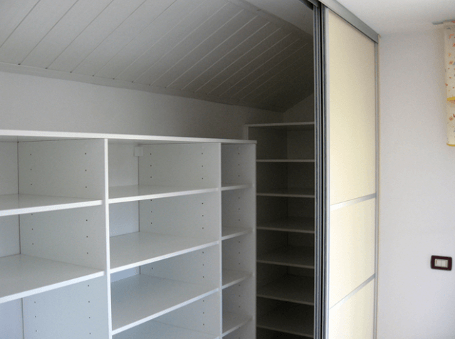 notranjost vgradne omare