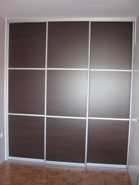 pregradna omara z možnostjo uporabe iz obeh smeri
