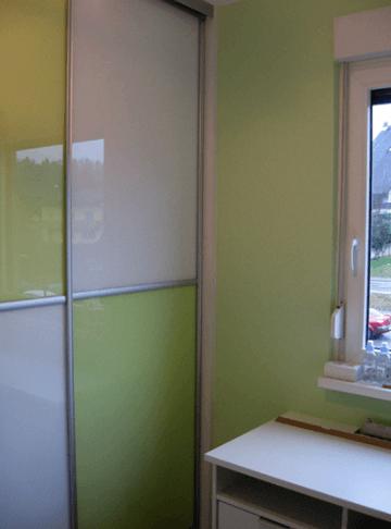 vgradna omara v mladinski sobi