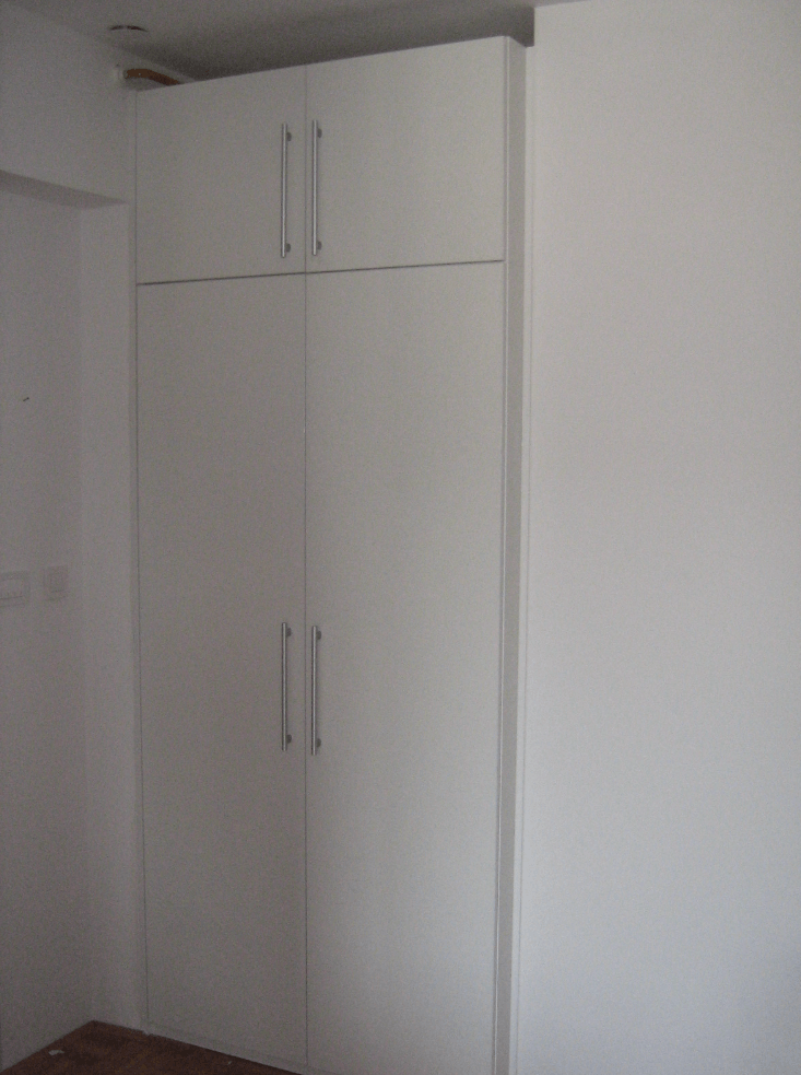 vgradnja omare na hodniku