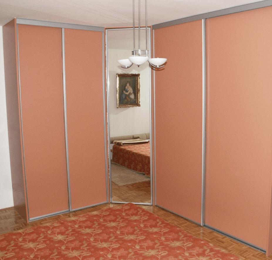 vgradnja omare s poševno kotno stranico