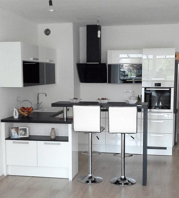 kuhinjsko pohištvo v manjši kuhinji