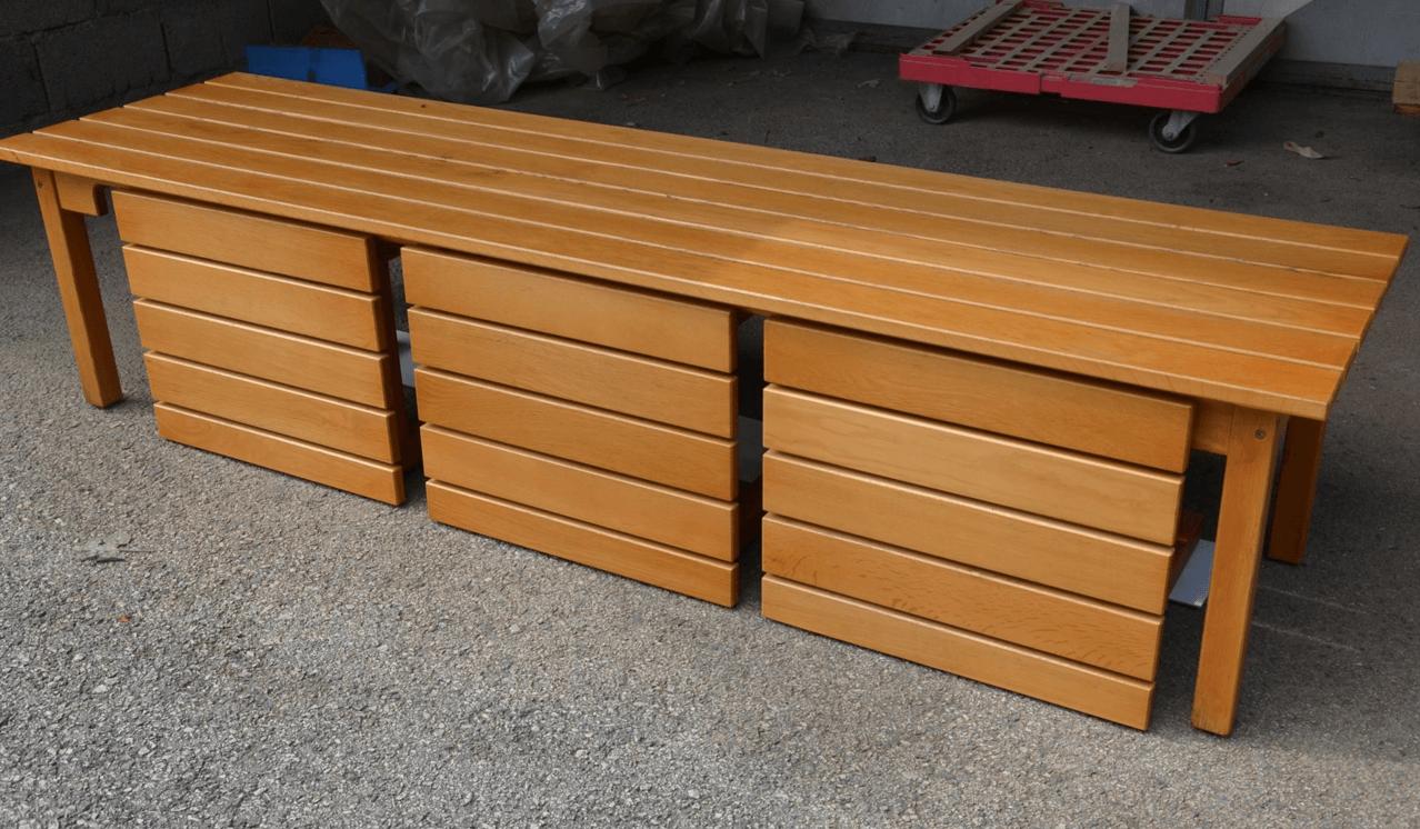 moderne vrtne mize in stoli iz masivnega lesa
