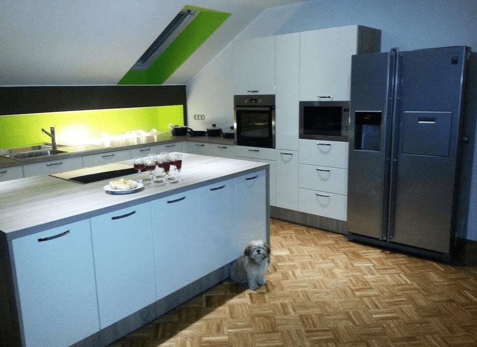 pohištvo za kuhinjo v mansardi