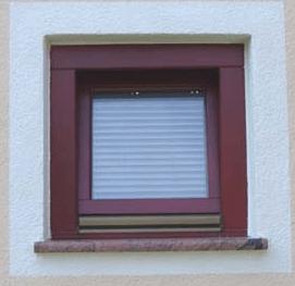 Prodaja lesenih oken proti prodaji oken iz ostalih materialov