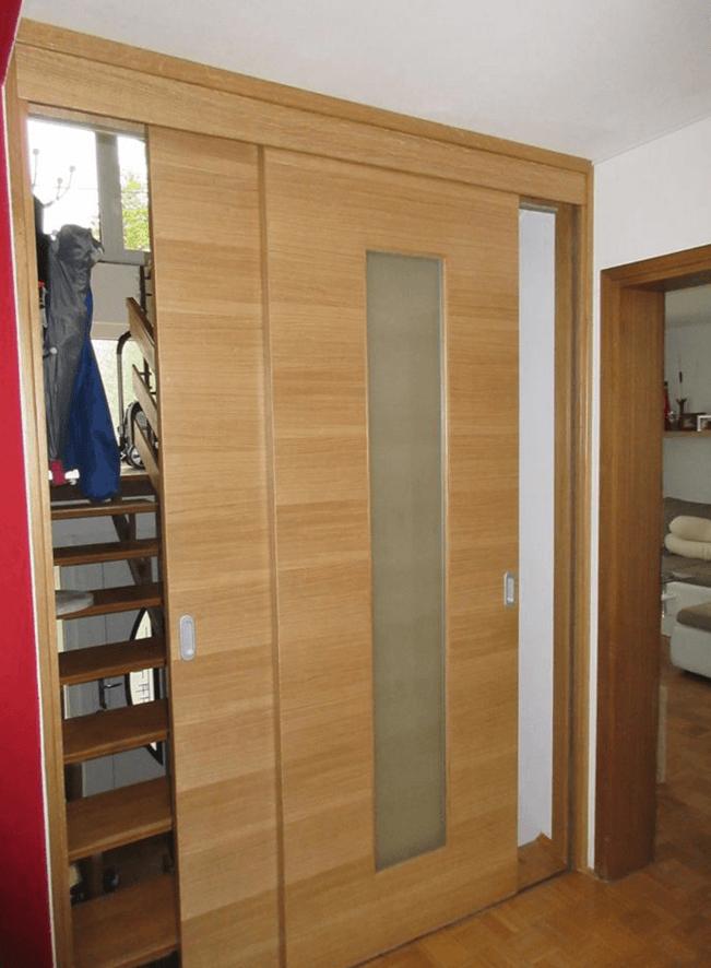 vrata na stopnicah