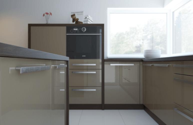 kotna kuhinja ob oknih