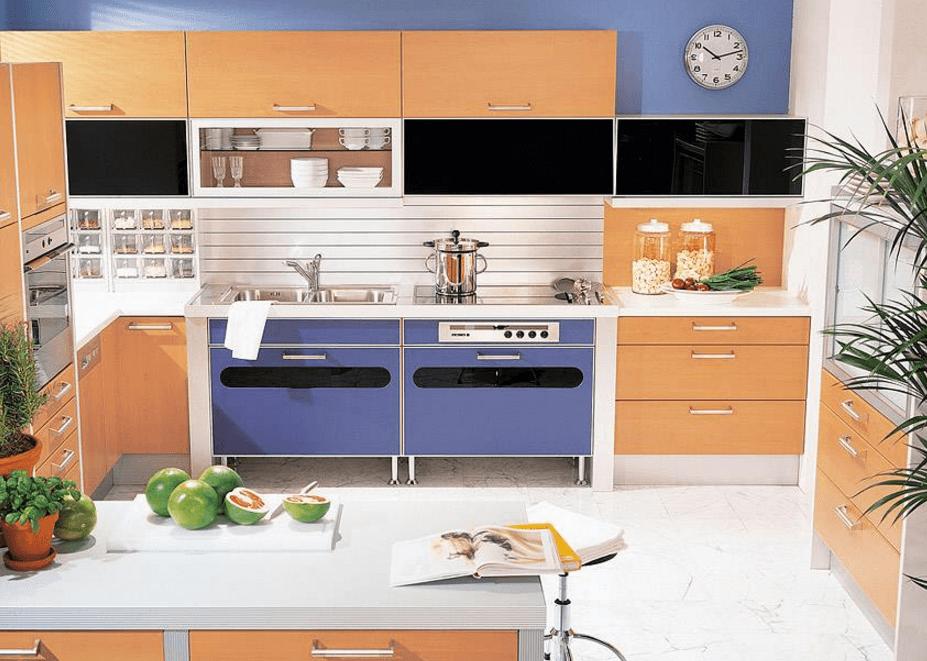 moderne barvne kuhinje