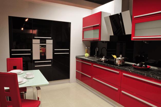 rdeče črna kuhinja