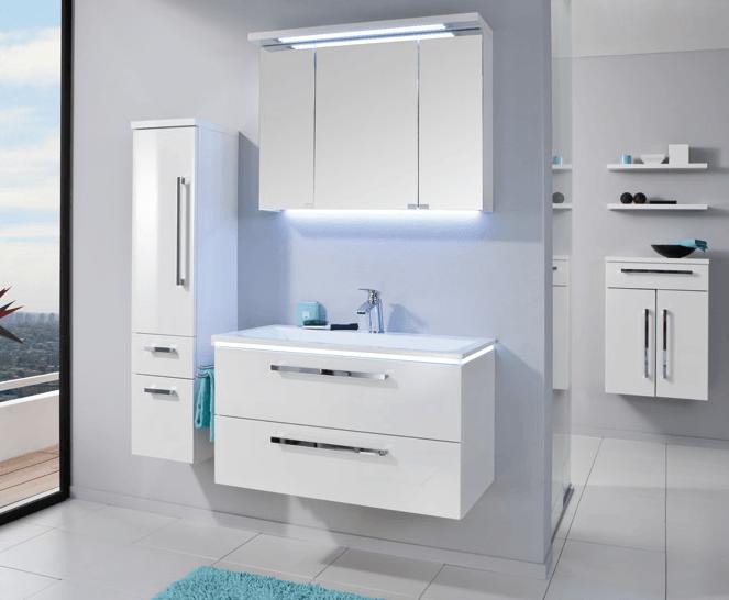 klasične bele kopalniške omare