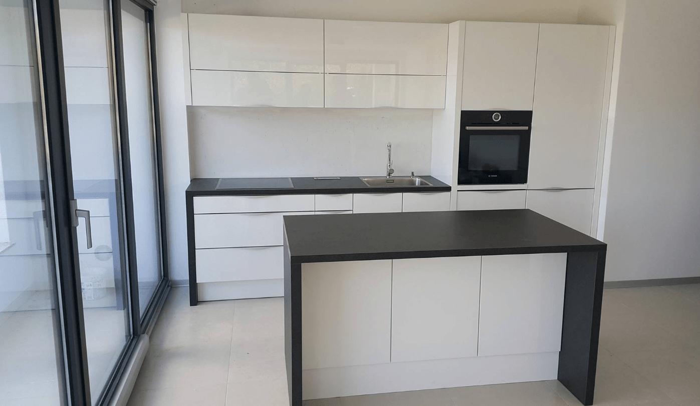 Bijele Kuhinje Ikea_20170908100044 ~ Črno bele kuhinje v visokem sijaju – Mizarstvosi