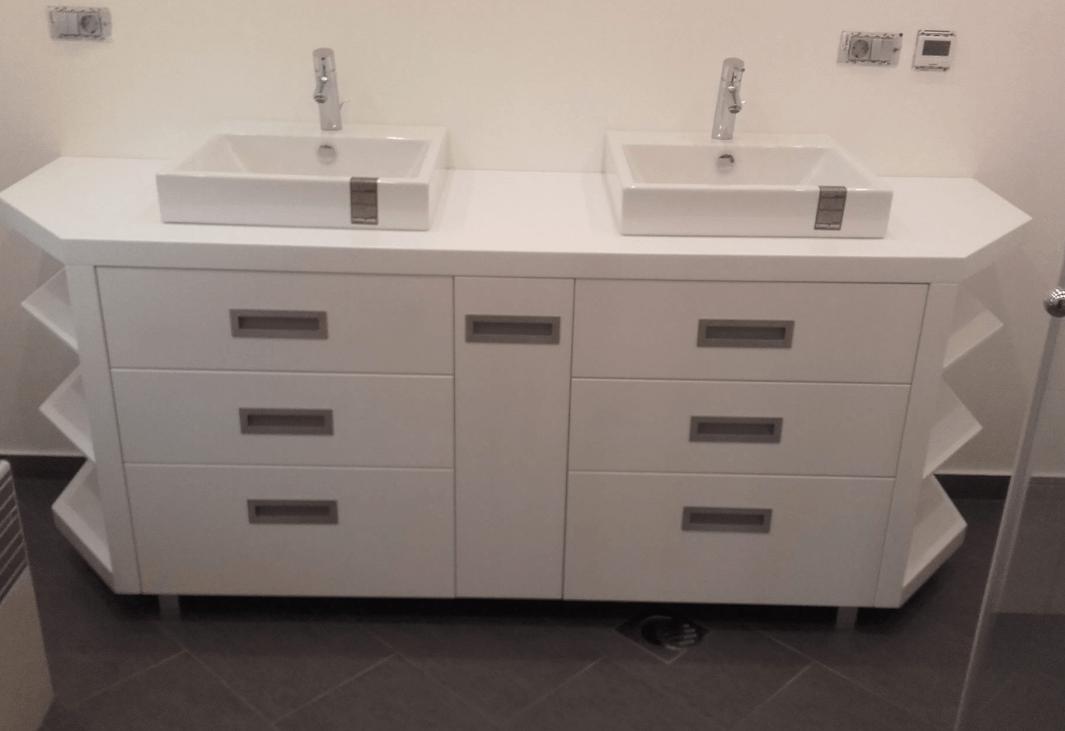 moderna kopalniška omarica po naročilu