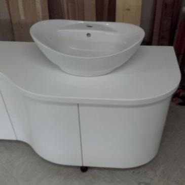 Kopalniška omarica za pod umivalnik