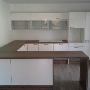 Kuhinje brez aparatov – primeri izdelav
