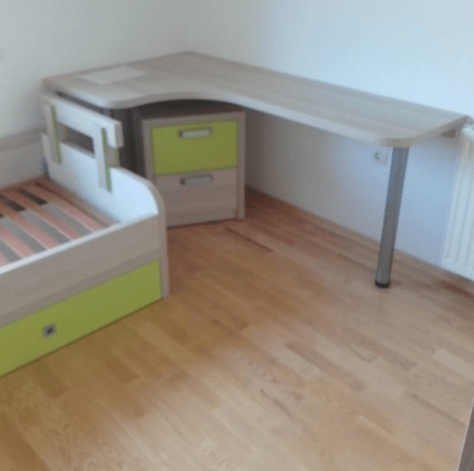 otroška pisalna miza