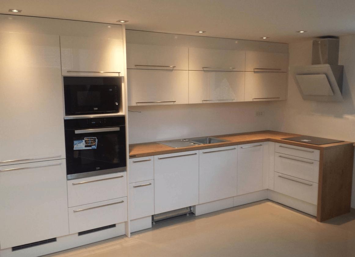 kuhinja-z-aparati