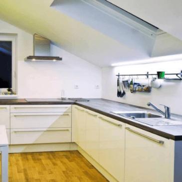 Opremljanje kuhinje za mansardo