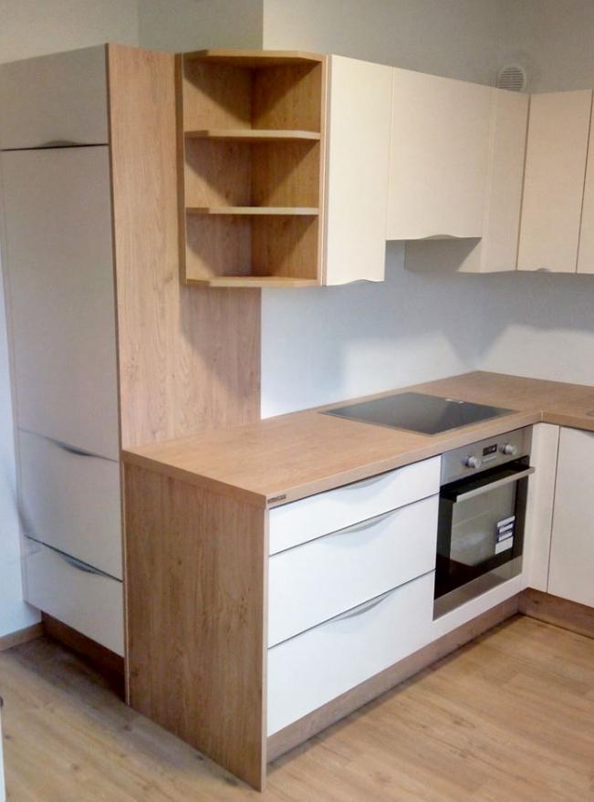 Kako izkoristiti prostor v kuhinji nepravilnih oblik