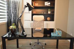 moderno pisarniško pohištvo cena